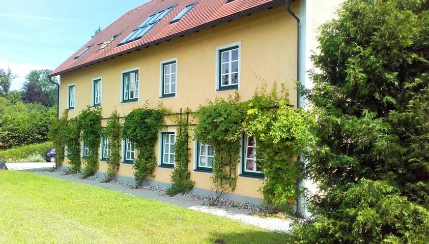 """Apartment """"Davinci"""" am Schloss Wald bei St. Pölten"""