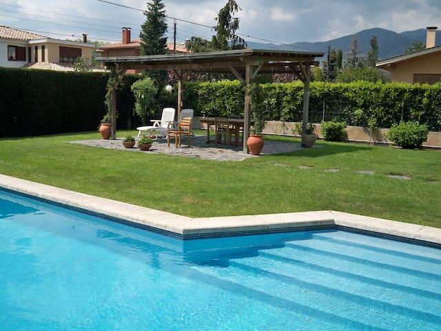 Bonita casa con jardin y piscina - Sant Esteve de Palautordera - Dům