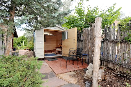 Top 20 santa fe vacation cabin rentals and cottage rentals for Santa fe new mexico cabin rentals