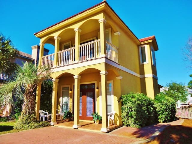 Tuscan Sun Beach House - Destin - Huis