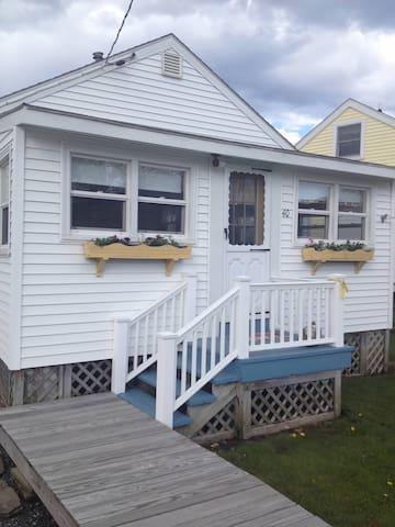 Charming beach cottage - York - Talo