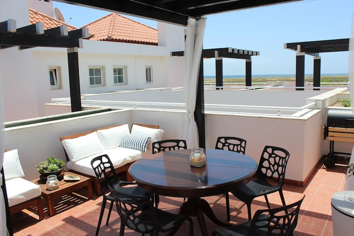 MODERN DUPLEX T2 WITH TERRACE AND SEA VIEWS - Cabanas de Tavira - Lägenhet