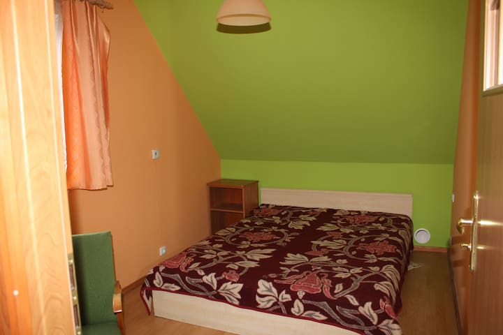 Double bed room with bathroom - Białowieża - Devremülk