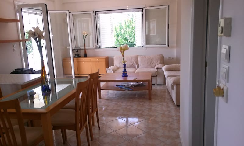 Duplex 100 sm, summer or full year rental-Corinth