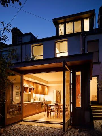beautiful 4 bedroom edwardian house - Dublin - Hus