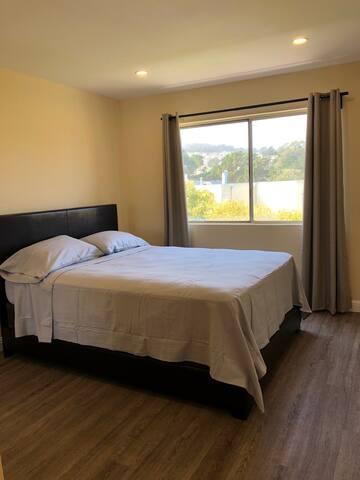 Quiet bedroom + parking