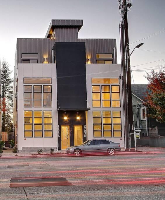 Open Modern Suite W Loft Ballard Lofts For Rent In Seattle Washington