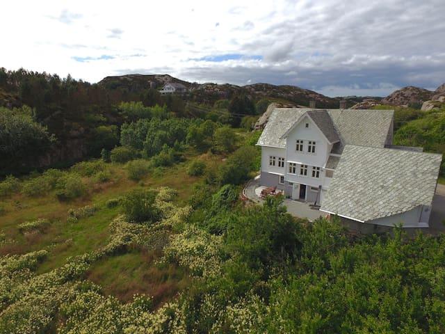 Turøy, Fjell Kommune