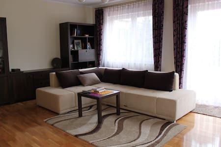 Cozy room in a new house+parking - Poznań