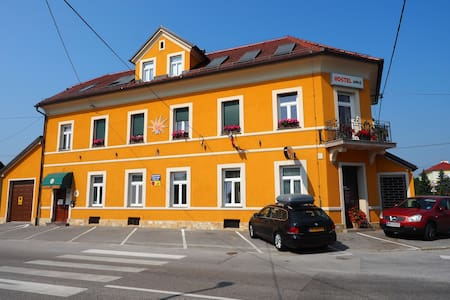 HOSTEL SONCE - Ptuj - Bed & Breakfast