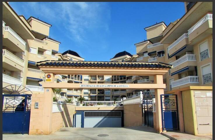 Apartamento cerca Gran Playa. Urbanización privada
