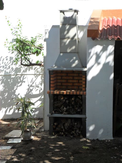 BBQ grill in the garden  will help you to relax from all that sightseeing...