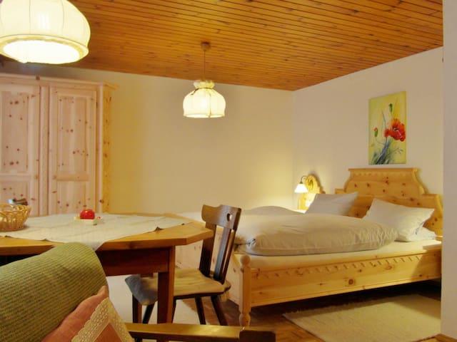 Gästehaus Stüttler - Gemeinde Tschagguns - Bed & Breakfast
