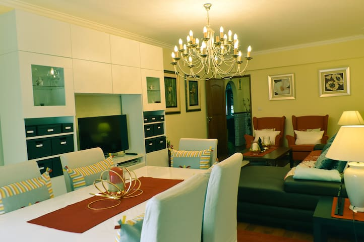 Holidays Apartment - Queluz - Pis