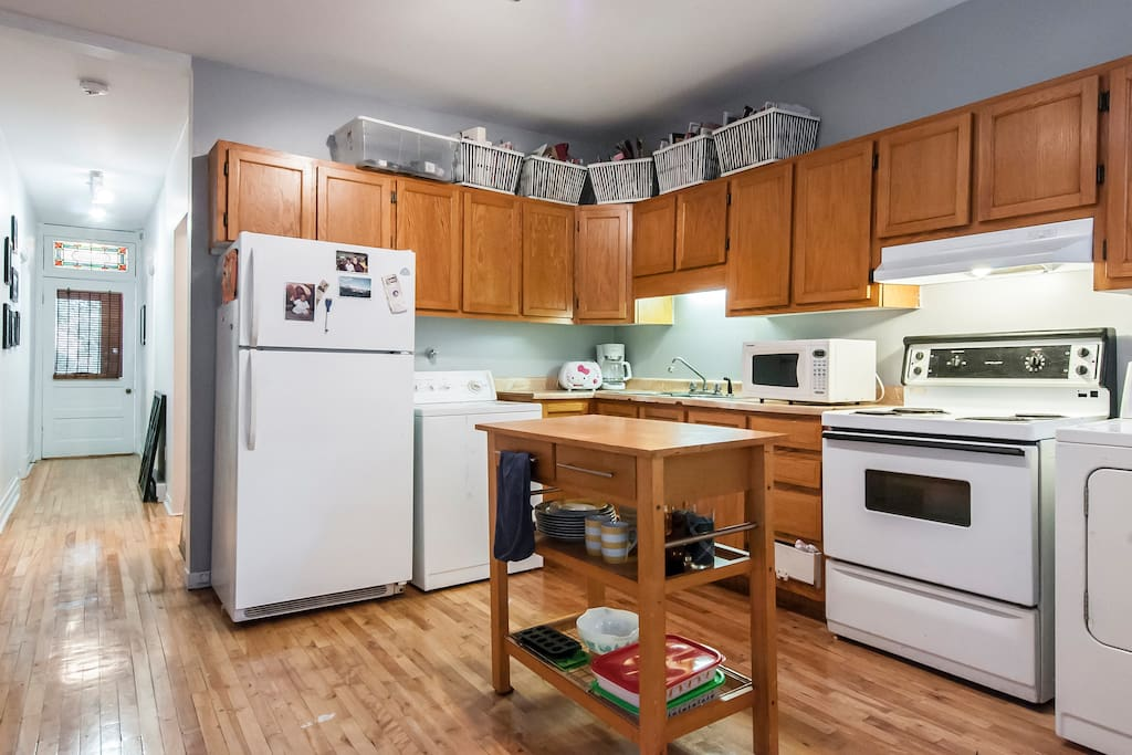The kitchen is a shared space. Guests have access to everything in the kitchen. Great if you like to cook or want to save money on food. You can also clean you clothes and I provide laundry soap.