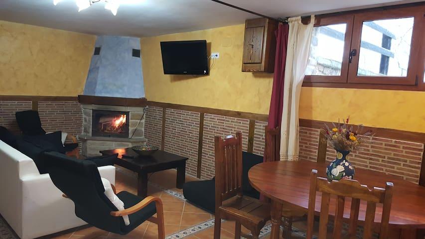 Alojamiento completo en pleno Valle de Carranza - Enkarterri