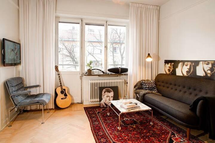 Artistic city apartment
