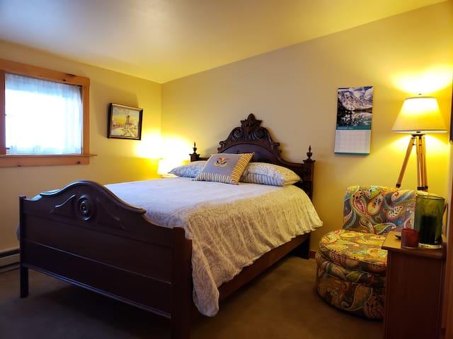 Cozy Double in Heart of Fargo: Short or long stay