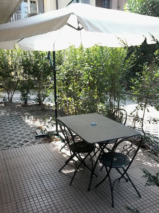 Giardinetto privato / Small private garden