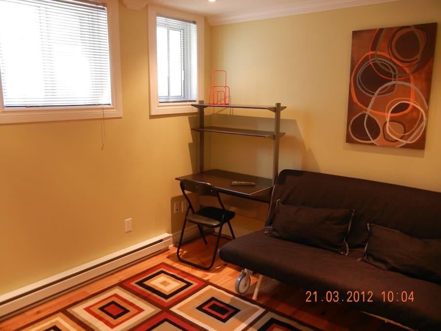 new studio in cote des neiges appartements louer montr al qu bec canada. Black Bedroom Furniture Sets. Home Design Ideas