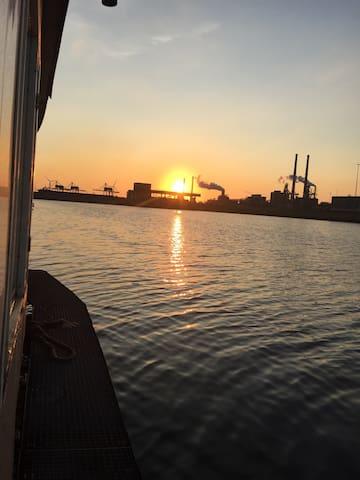 Voor even bootbewoner vlakbij zee! - Velsen-Noord - Boot