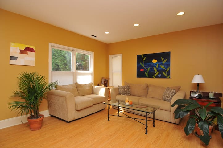 Studio in nice home near Buckhead - Atlanta - Apartemen