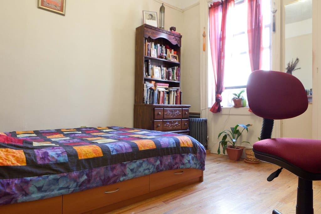 Private TWO rooms 2 min from subway