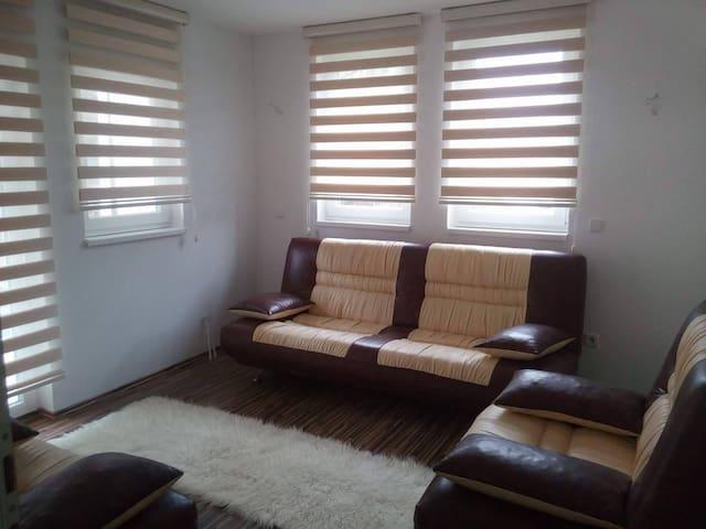 Nadia's home - Kanton Sarajevo - House