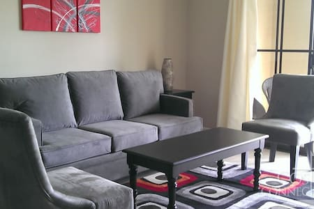 Room type: Entire home/apt Bed type: Real Bed Property type: Condominium Accommodates: 2 Bedrooms: 1 Bathrooms: 1