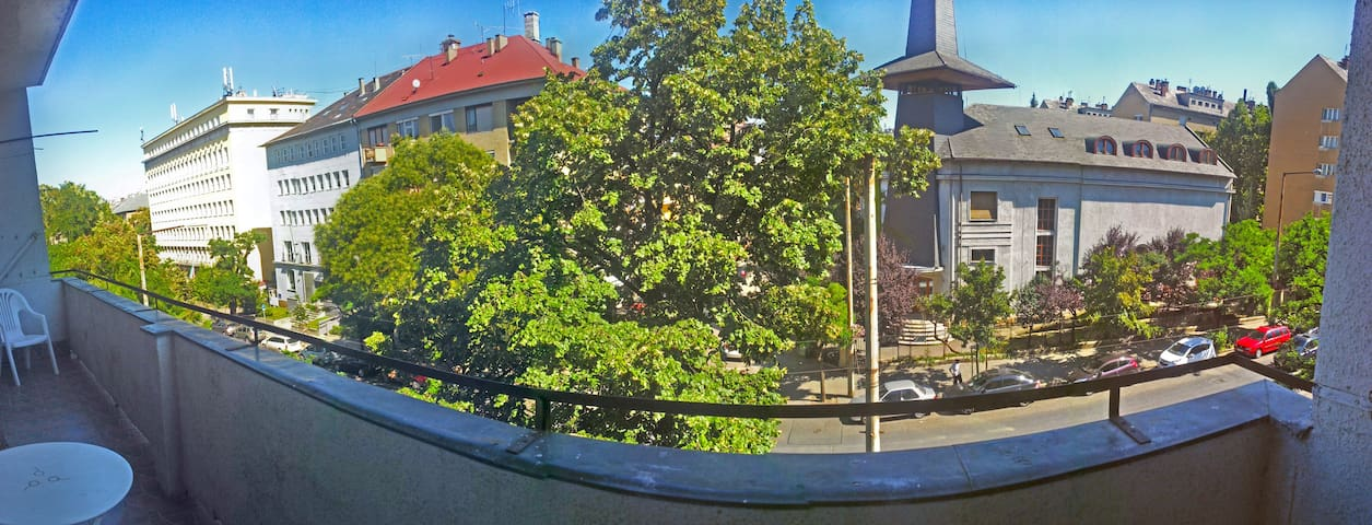 Close to downtown for 6 person - Budapest - Condominium