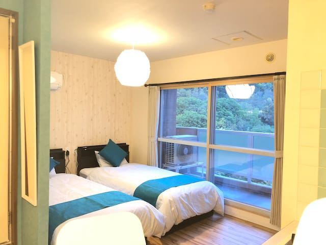 J63 Onsen in top floor, free parking and wifi!