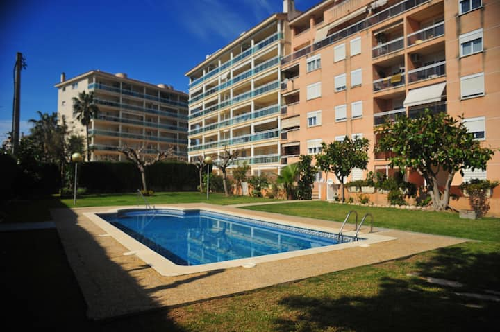 Cambrils port, 6 people, pool