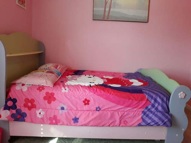 Pink Private Cozy Room
