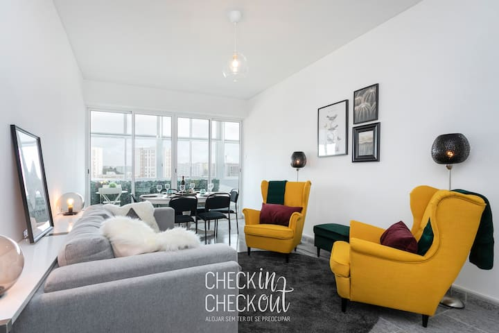 CheckinCheckout - City View Apartment