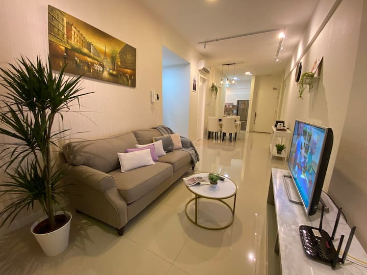 NEW 2 Room 6pax TvBox WiFi 5 min to DESA PARK CITY