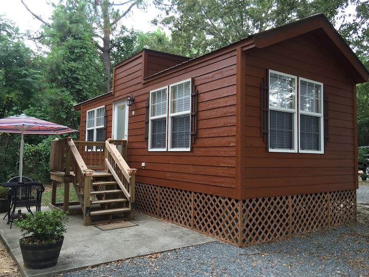 """Adorable """"tiny house"""" cabin (47)"""