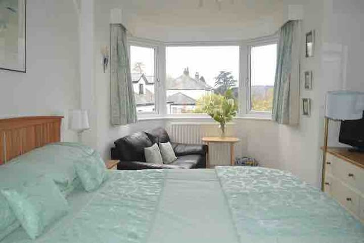 Central Windermere double room