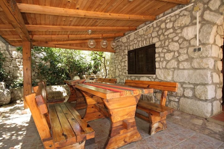 One bedroom apartment with terrace Punta križa, Cres (A-867-b)