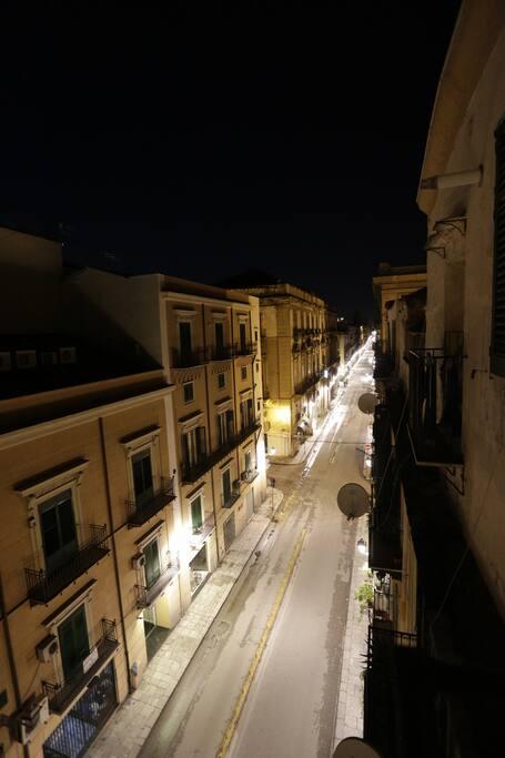 vista notturna dal balcone