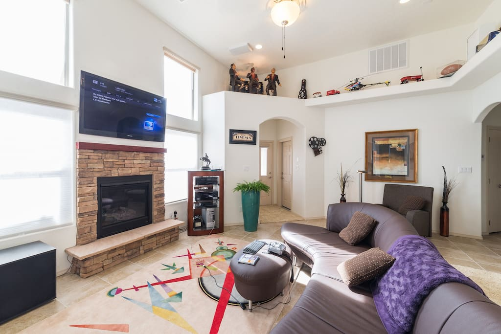 Theater/living/Game Room