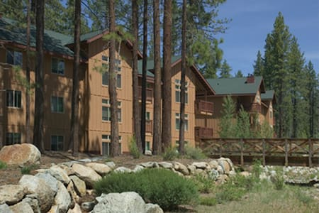So. Shore Lake Tahoe / Zephyr Cove, NV 2 BR Condo - Zephyr Cove-Round Hill Village - Selveierleilighet