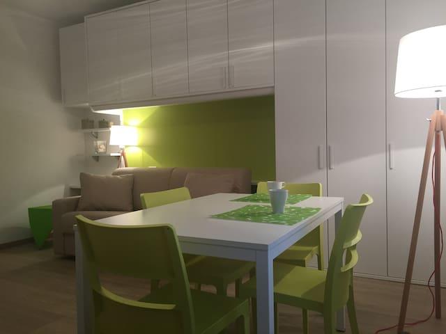La Casa Verde wi-fi free private parking - La Spezia - Byt