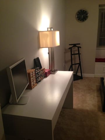 Quiet and Relaxing Room #DCA/OldTown Alexandria - Lincolnia - Townhouse