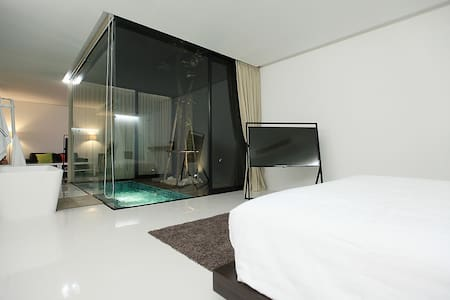 Luxurious Room @ the Qresidences - Bangkok - Pis