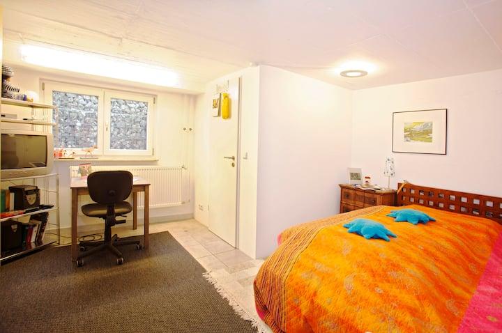 Private room, near Fair