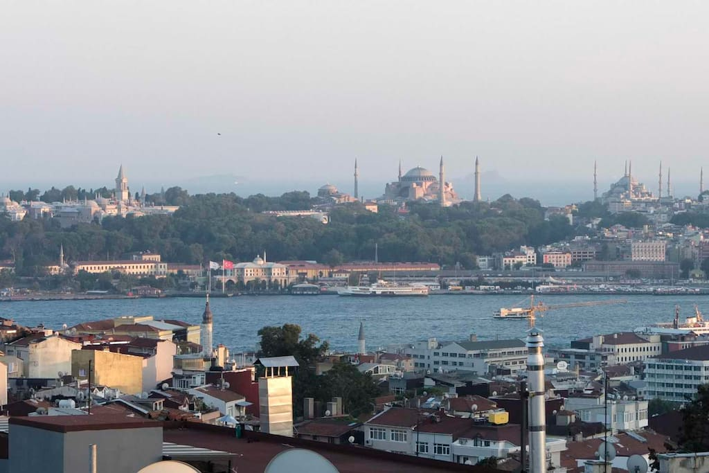 "The Golden Horn and view of the ""old city"" Sultanahmet and activity on the sea opens in front of you, providing hours of contemplative watching from the sky above it all."