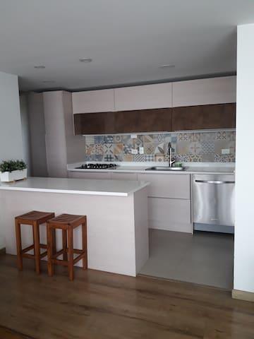Apartamento exclusivo, amoblado, excelente vista