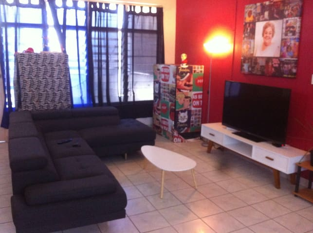 Large room. Near beach. Shops. City - Nightcliff - Appartement