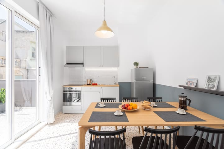 Dining Area with full equipped kitchen