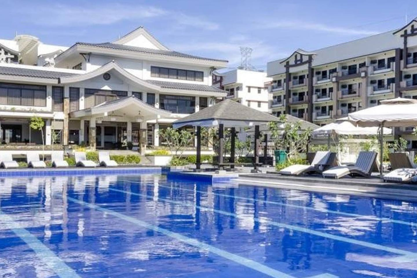 Swimming pool rules: Swimming pool is not FREE, guest must pay 112 per person. It is closed every Monday for cleaning and only OWNERS are allowed to use it every Saturday and Sunday.